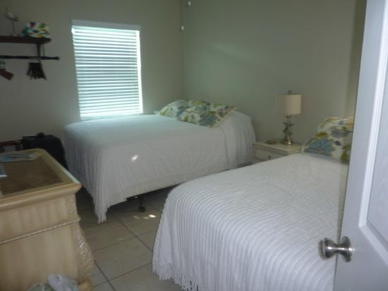 Coral Resort Condominiums: Bedroom