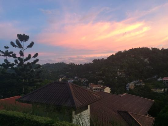 Kandy View Hotel: View from the hotel