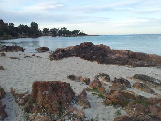 Lanterns Retreat: Geographe Bay beach Dunsborough