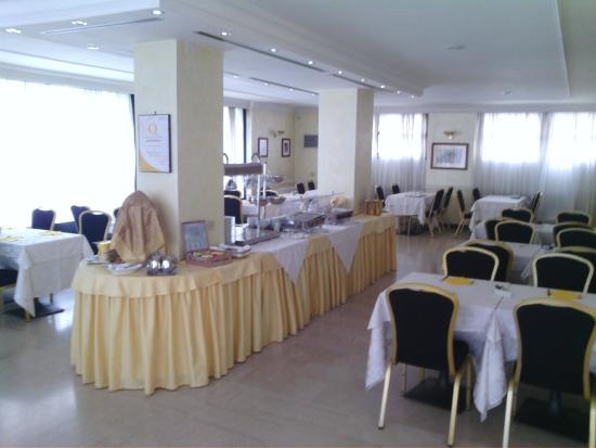 Hotel Europa Novara: sala colazione