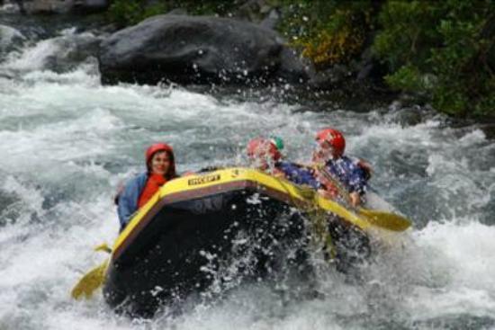 Tongariro River Rafting : :-)