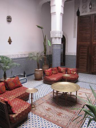 Riad Tayba : Sala comune