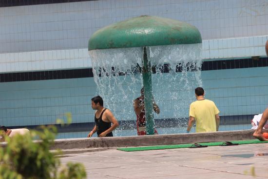 Wet 'n' Wild Resorts: Small Waterfall