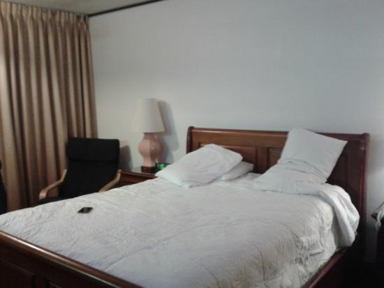 Park Plaza Lodge Hotel: Cama confortável