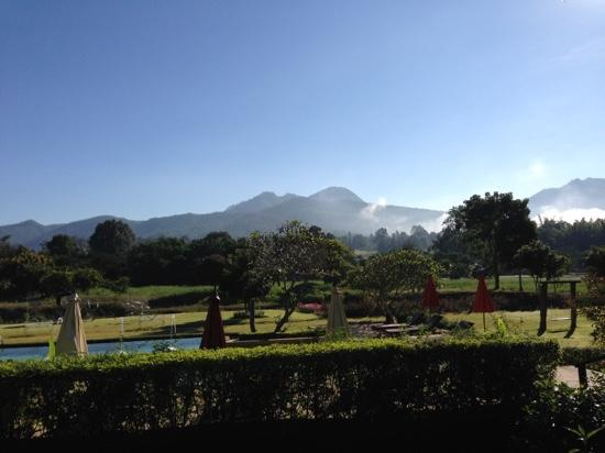 Belle Villa Resort Pai : view over mountains