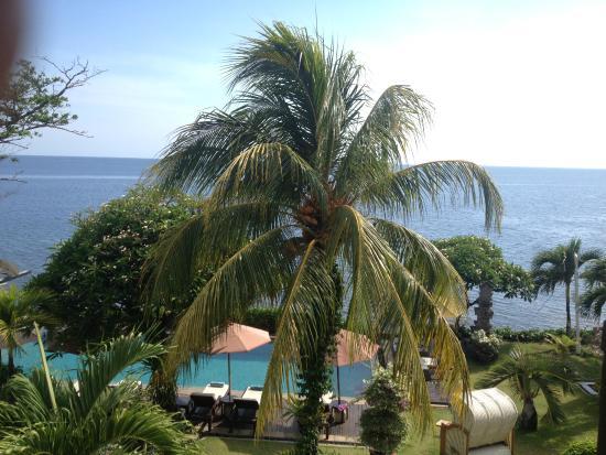 Tauch Terminal Resort Tulamben & Spa: Ausblick Ocean View Deluxe Room