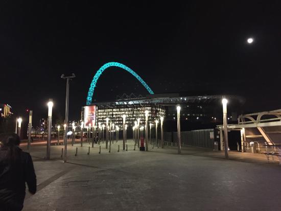 Wembley Arena Pavilion: Pre concerto Lenny Kravitz