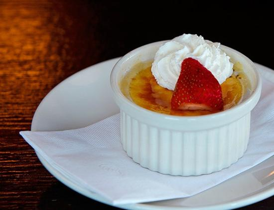 Salt and Pepper Savory Grill & Pub : Cremem Brulee