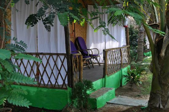Tutti Garden Bungalows: The porch of room no. 4