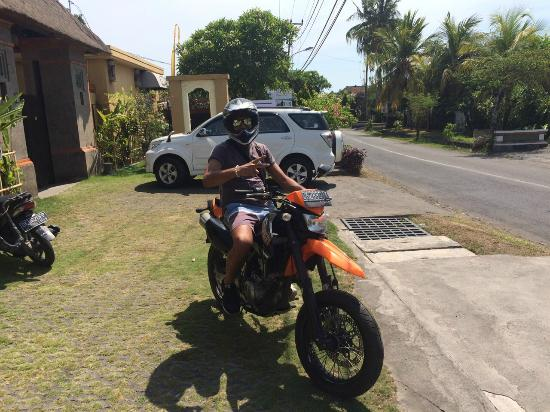 Villa Mimpi Manis Bali: Yet going out to explore the island by motorcross