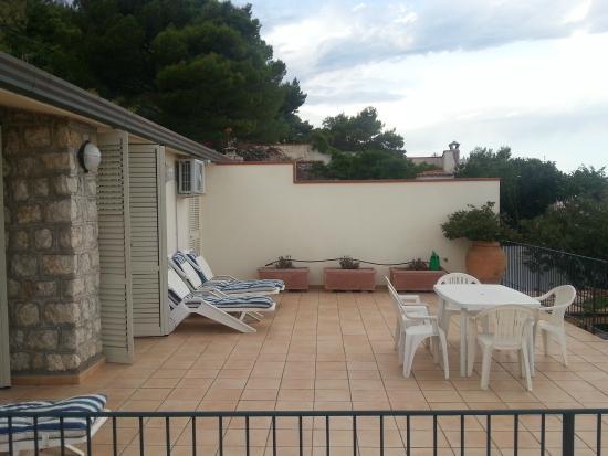 B&B Villa Addaura: Camere e terrazzo