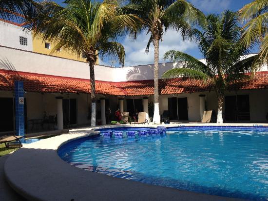 Hotel Plaza Almendros: Habitaciones con vista al jardín