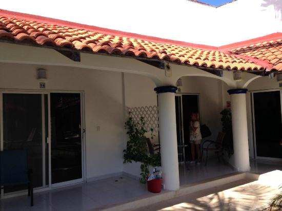 Hotel Plaza Almendros: Habitaciones con salida al exterior
