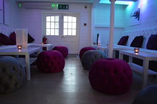 Wytes: Lounge