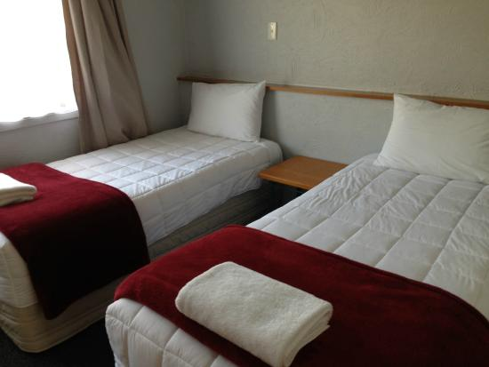 Oakwood Manor Auckland Airport Motor Lodge: Clean beds