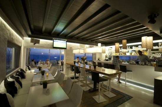 Oniro Sunset Bar Restaurant
