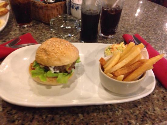 Karon Cafe Steakhouse & Thai Cuisine: Lovely food