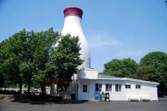 Milk Bottle Restaurant: a landmark
