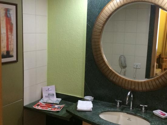 The Senator Hotel: Bathroom