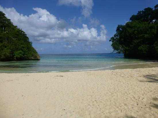 Hotel Mocking Bird Hill: kleiner sehr schöner Strand