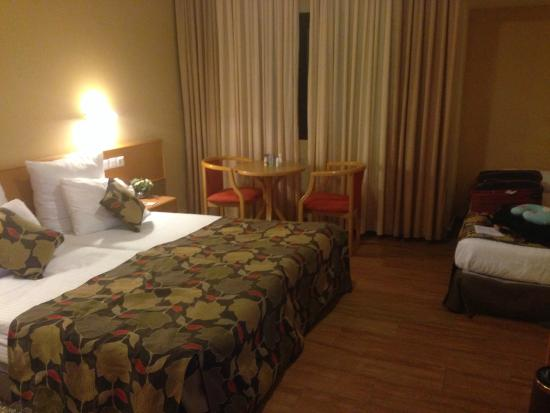 Neve Ilan Hotel: Spacious Room with Free Extra Bed