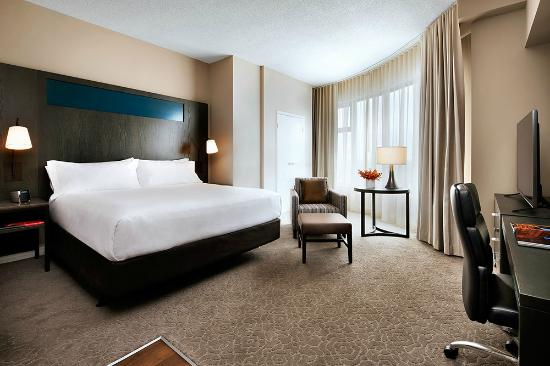One King West Hotel & Residence: Studio Suite
