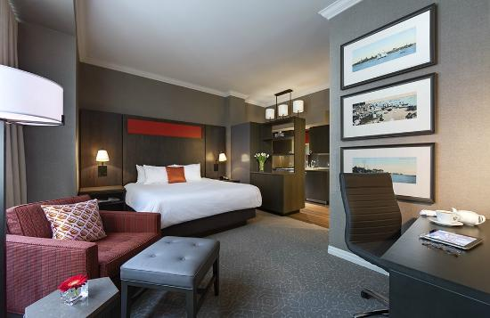 One King West Hotel & Residence: Superior Suite