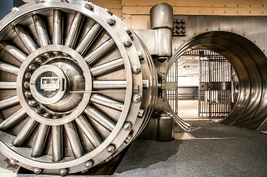 One King West Hotel & Residence: The Vault