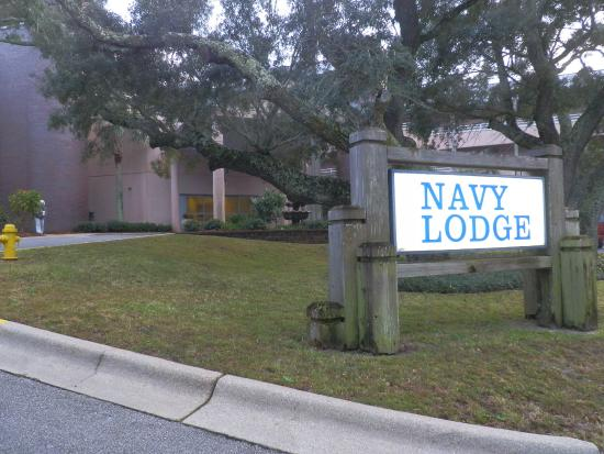 Navy Lodge Pensacola : Front