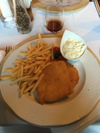 Leberfinger : Deep fried cheese twins with French fries