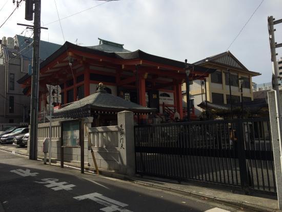 Kagurazaka: 神楽坂(善國寺)