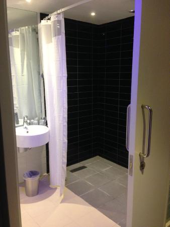 Holiday Inn Express London - Southwark: Baño