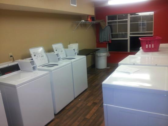 Extended Stay America - Austin - Northwest - Research Park: Washing Machine Room