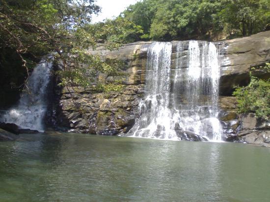 Matale, Sri Lanka: Sera Ella near Riverston @7.588320, 80.755026