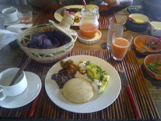 Posada Kanosta: Desayuno del sabado