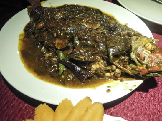 Kushi Cafe and Restaurant: snapper Keralan style