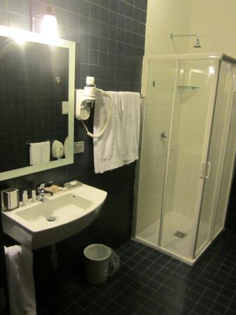 Althea Palace Hotel: bagno