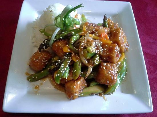 Golden Harvest Restaurant: General Tso's Tofu Delight