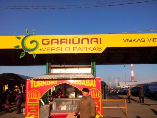Gariunai Market: entrance to market