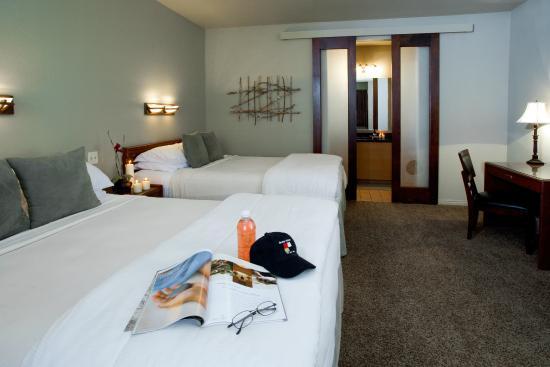 Flanigan's Inn: QQ Patio Room