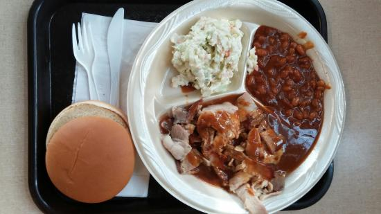 Joe Cobb Bossier Bar-B-Q: Pork plate with baked beans and coleslaw