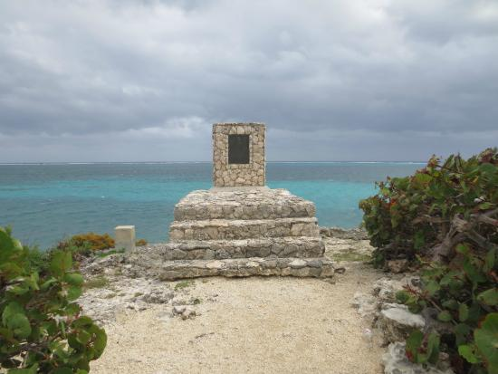 East End, Grand Cayman: Wreck of the Ten Sail Memorial