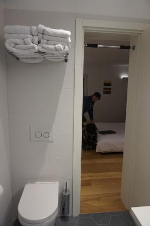Divota Apartment Hotel: Bathroom