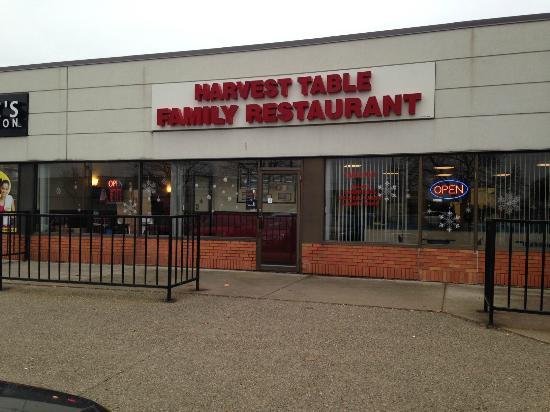 Harvest Table: A truly family restaurant - family run, family customers