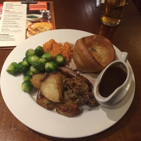 Premier Inn Wolverhampton City Centre Hotel: xmas lunch 3 courses £15.99
