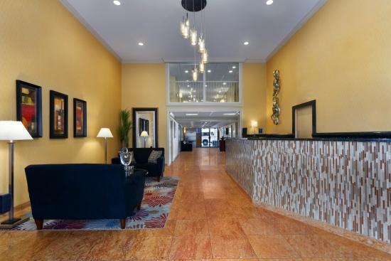 Wyndham Garden Glen Mills Wilmington: Hotel Lobby