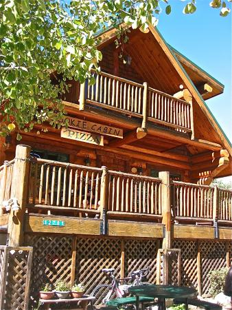 Mt. Lemmon Cookie Cabin: Mount Lemmon Cookie Cabin Exterior