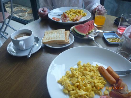 SP House Phuket: Завтрак