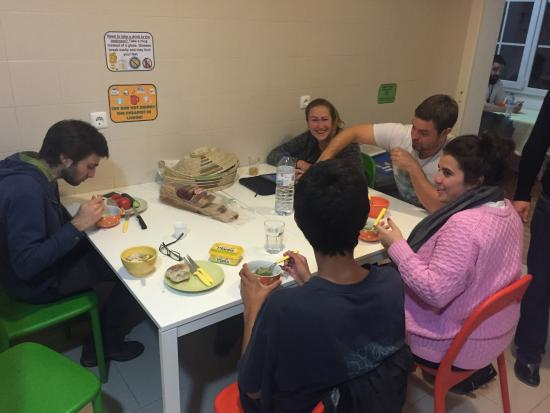 Lisboa Central Hostel: Having soup!