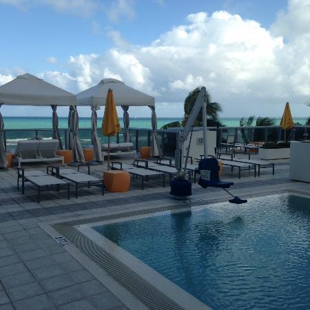 beautiful beach picture of hilton cabana miami beach. Black Bedroom Furniture Sets. Home Design Ideas